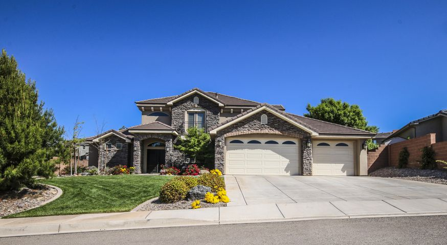 Quiet neighborhood, curb appeal and private patio.