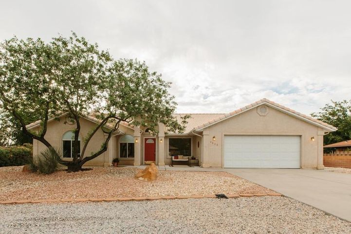 1235 Willow DR, St George, UT 84790
