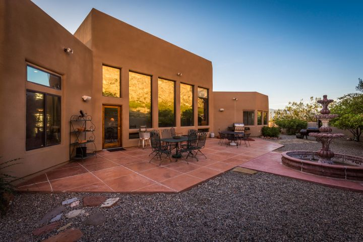 Back Patio borders BLM. You will love the privacy, views of cliffs and shade. Retreat for sure.