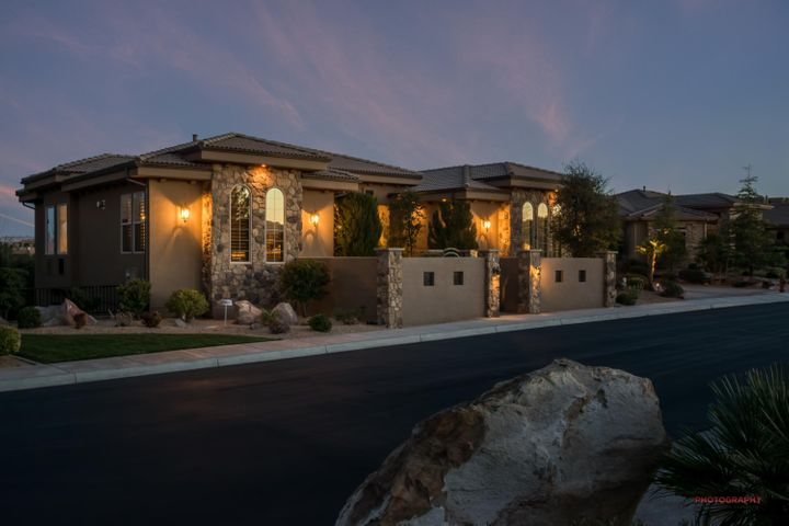 1673 View Point Stone Cliff Exterio