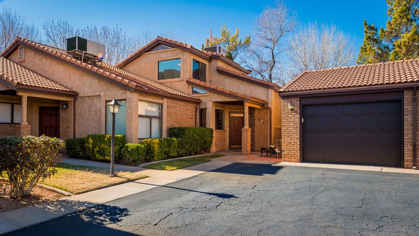 691 Ridge Rim Way, St George, UT 84770