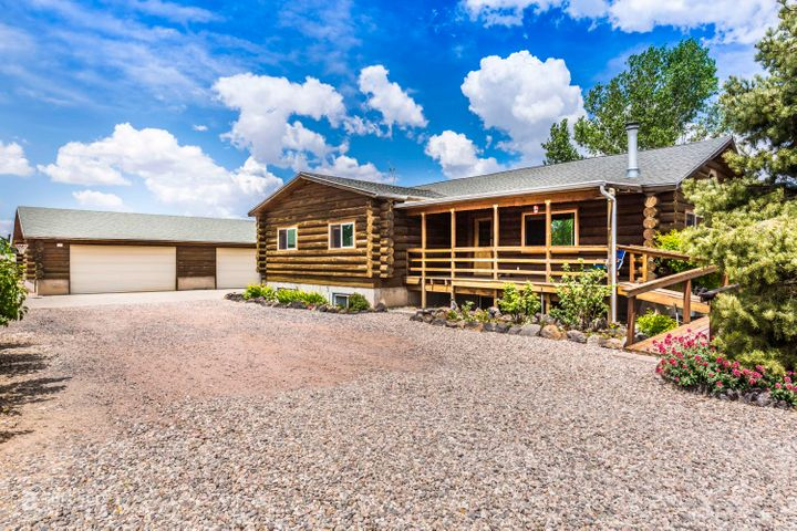 895 Homestead DR E, Dammeron Valley, UT 84783