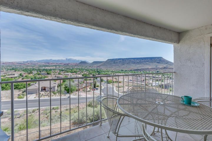 1845 W Canyon View DR, #327, St George, UT 84770