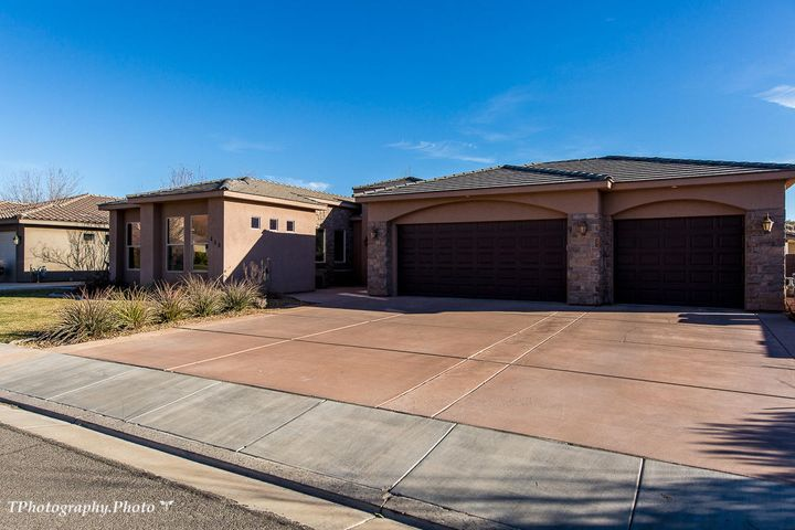 458 E 1470 S, Washington, UT 84780