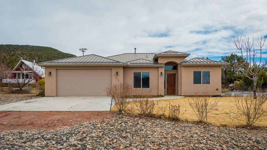 372 N Pinion CIR, Central, UT 84722