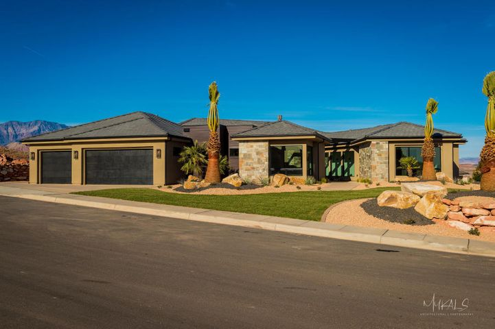 57 S Eaglet, Washington, UT 84780