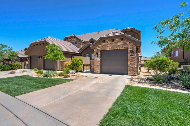 2092 N Coral Ridge DR, Washington, UT 84780