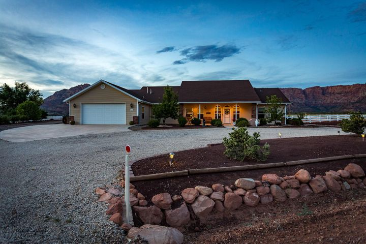 2357 Canaan Way, Apple Valley, UT 84737