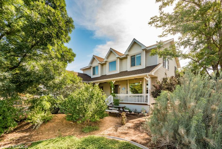 388 N Meadow DR, Dammeron Valley, UT 84783