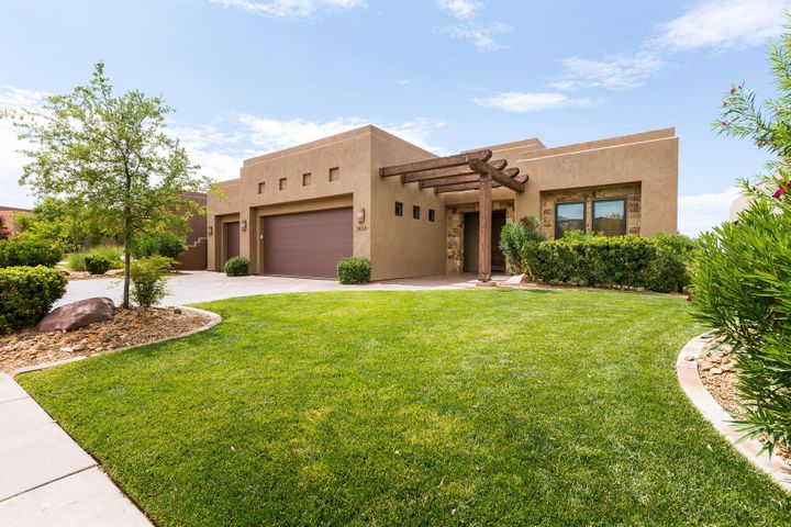 1659 W Red Cloud DR, St George, UT 84770