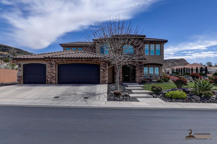 587 S Ali LN, Washington, UT 84780