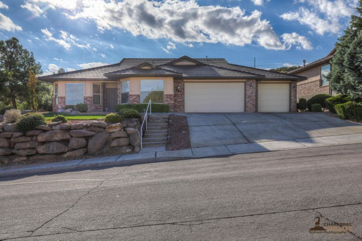 589 Rolling Hills DR, St George, UT 84770