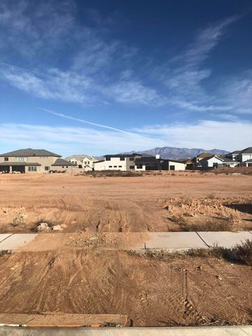 S S little valley Road RD, 101, St George, UT 84790
