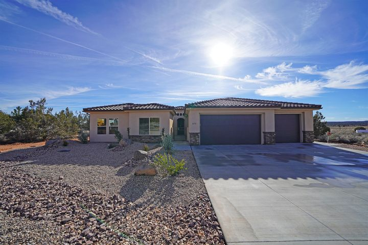 1172 E Red Sage LN, Apple Valley, UT 84737