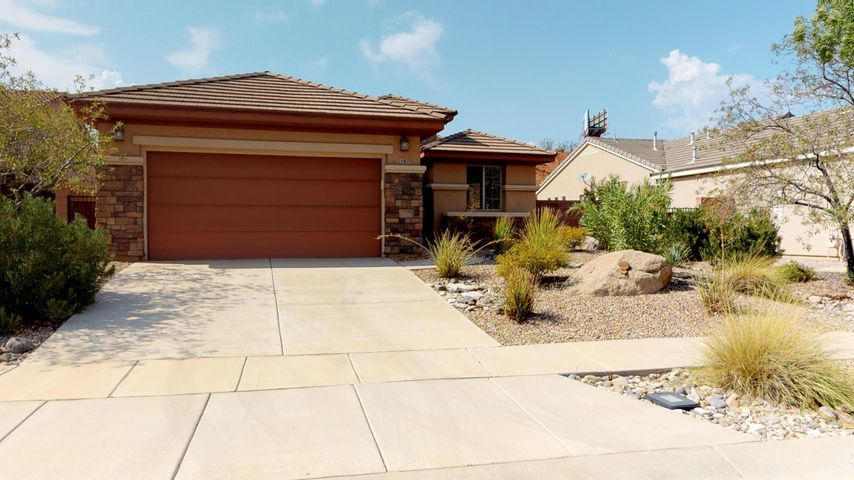 2587 E Spring Canyon DR, Washington, UT 84780