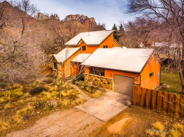 37 Big Springs RD, Springdale, UT 84767