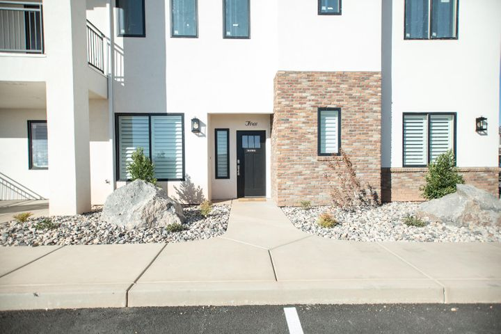 3980 S Jackson Drive, 8, Washington, UT 84780