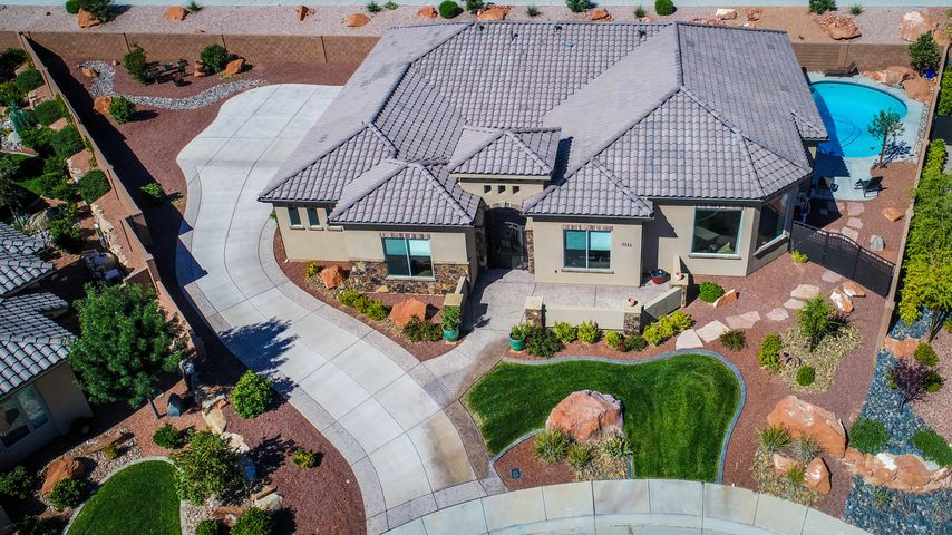 1213 W Park Ave, Washington, UT 84780