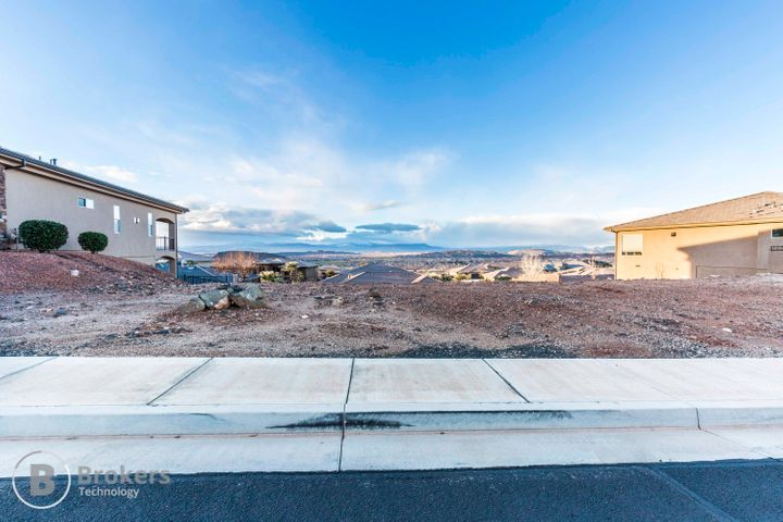 E Siena Dr, Washington UT 84780