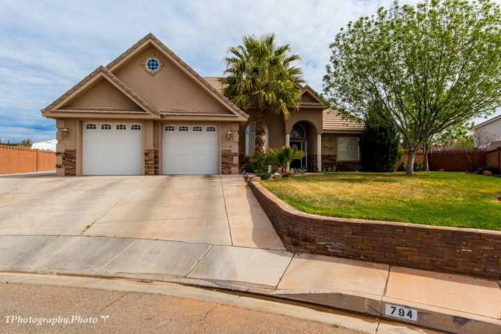 794 N Picturesque DR, St George, UT 84770