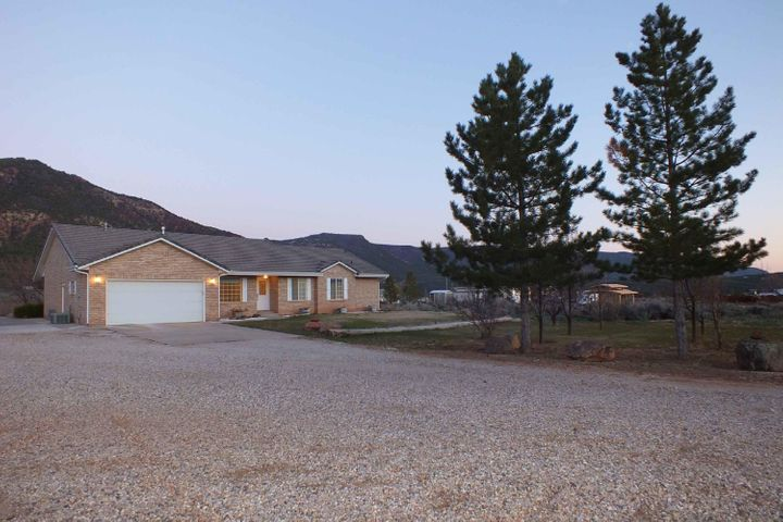 2583 S Old Hwy 91, New Harmony, UT 84757