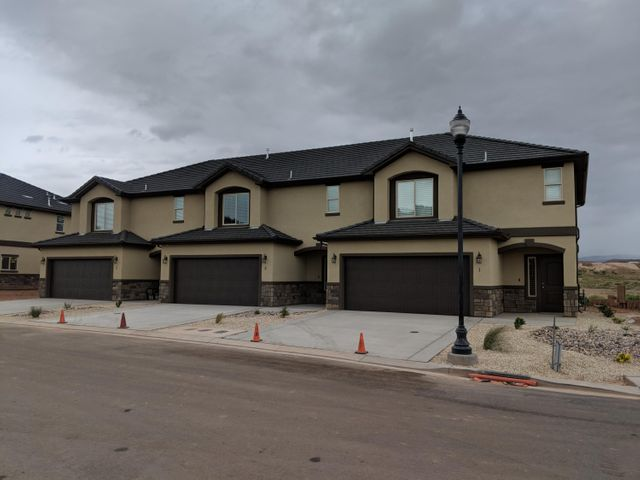 1001 W Curly Hollow DR, #14, St George, UT 84770