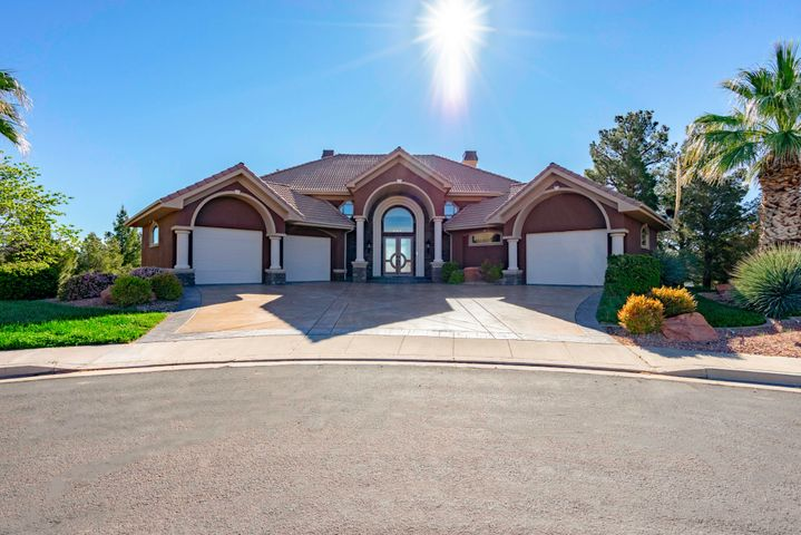 16 N Lions Head CIR, Washington, UT 84780