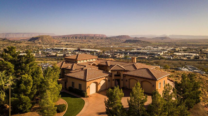 6 N Lions Head CIR, Washington, UT 84780