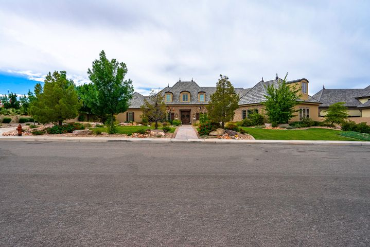 270 E Skyline DR, Washington, UT 84780