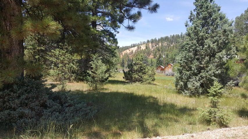 441, 411 E Mammoth Creek Rd, Hatch UT 84735