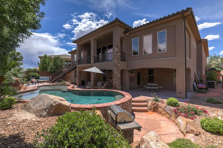 2142 Red Mesa CIR, Santa Clara, UT 84765
