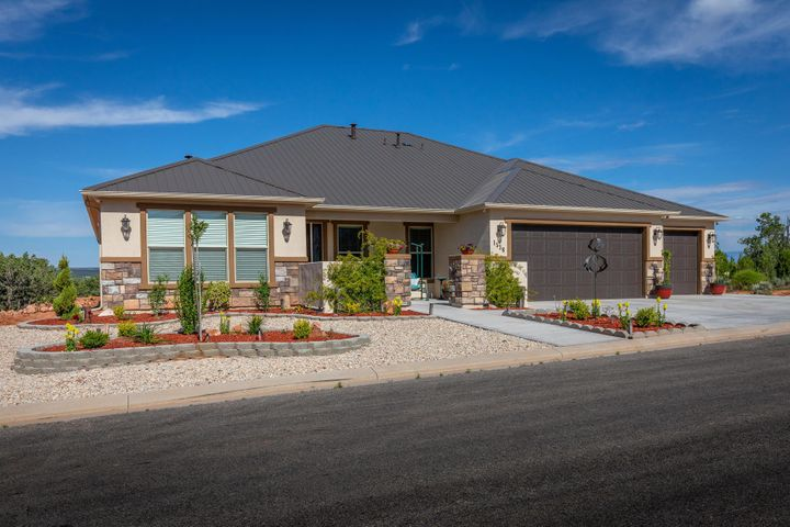 1536 S Cliff DR, Apple Valley, UT 84737
