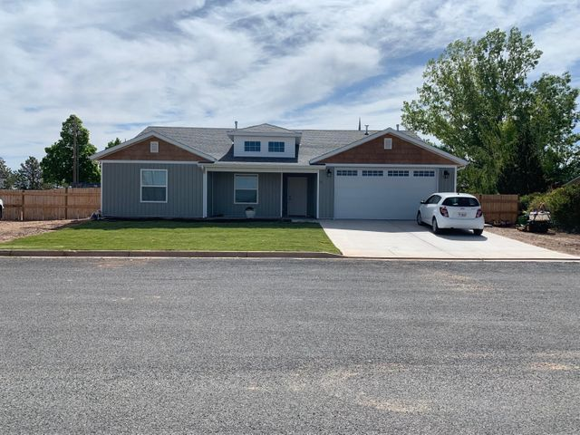 Built in 2018, this home has been lightly lived in. Features 9 foot ceilings throughout, quartz counter tops, an open concept, fully fenced, sod just laid with automatic sprinkler system.