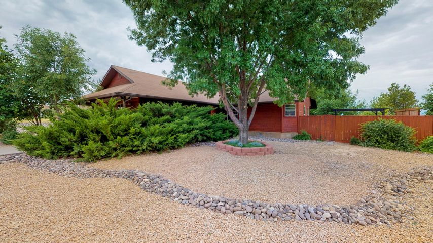 825 E Homestead DR, Dammeron Valley, UT 84783