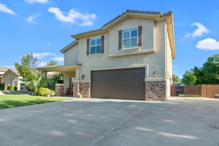 2323 E 440 N Cir, St George UT 84790