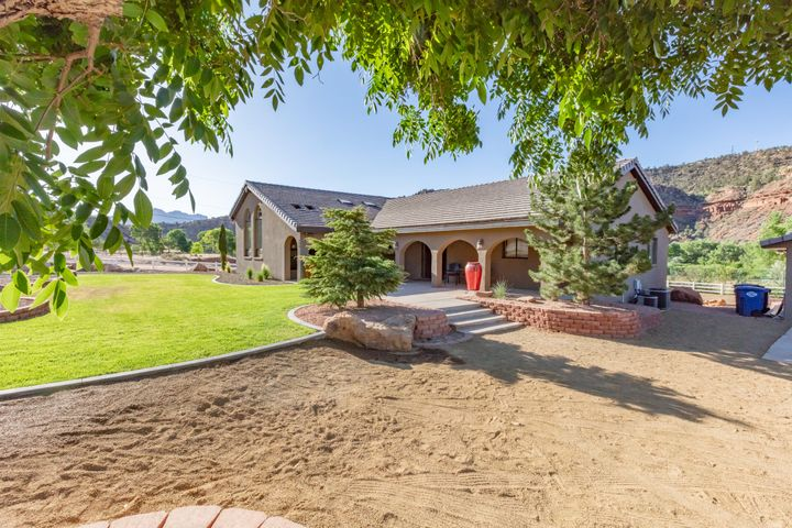 398 E Main St, Rockville UT 84763
