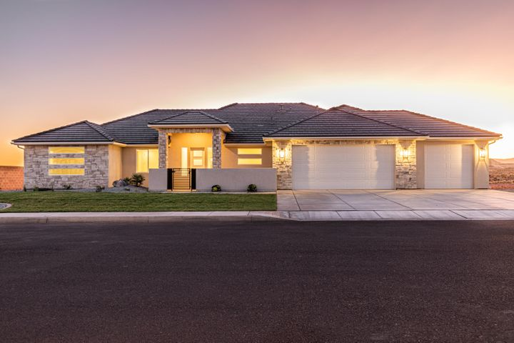 54 S Rocky Point CIR, Washington, UT 84780