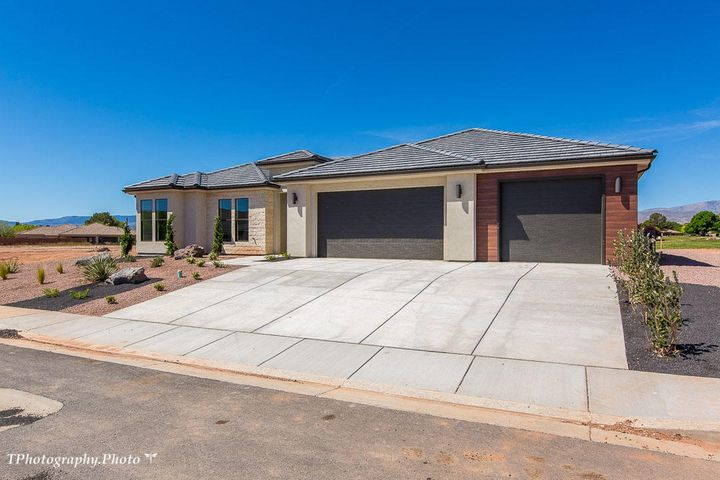 1104 W Goldenrod Cir, St George UT 84790