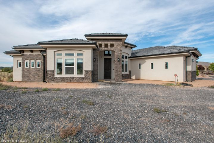 469 W Canyon Trails Circle, Dammeron Valley, UT 84783