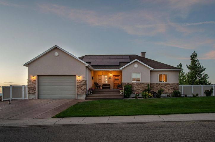1821 Sunset RD, Enoch, UT 84721