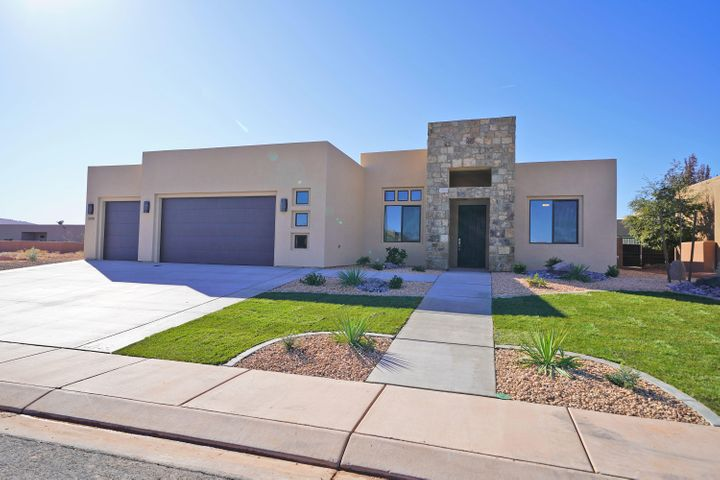 3198 S Red Sands Way, Hurricane UT 84737