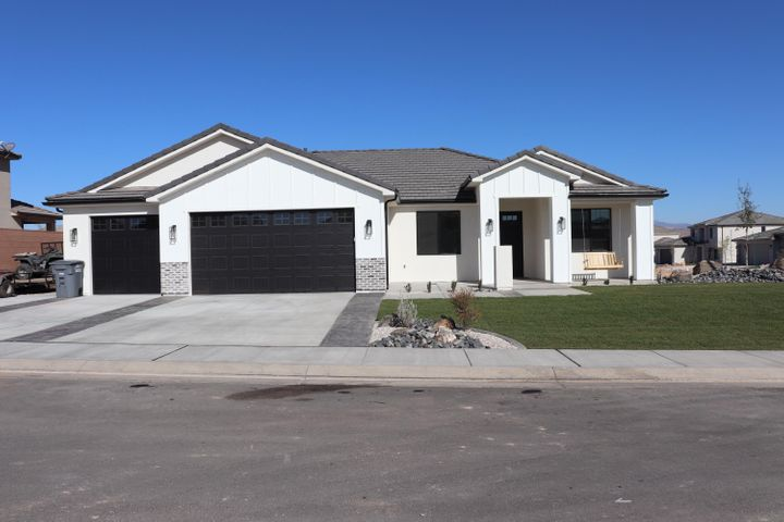3205 E 2840 S Cir, St George UT 84790