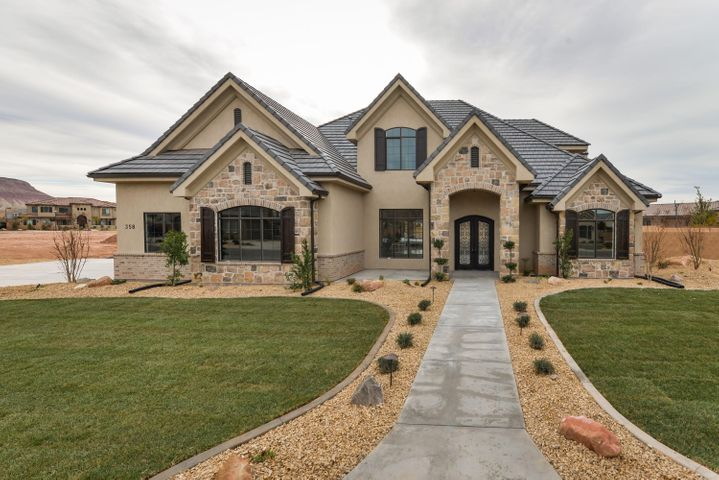 358 E Carriage Ln, Washington UT 84780
