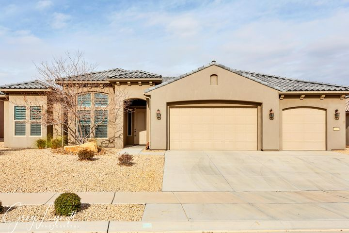 1462 W Silk Berry Cir, St George UT 84790