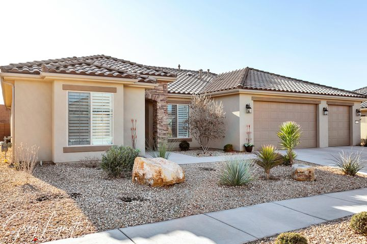 4271 S Painted Finch Dr, St George UT 84790
