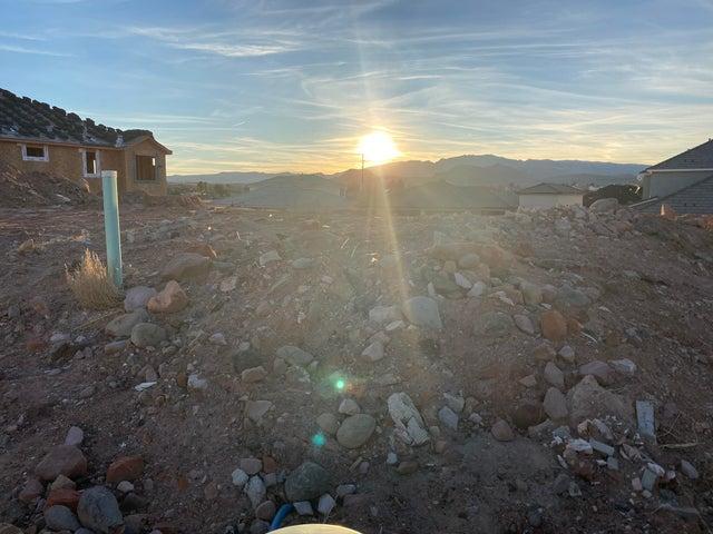 1723 Desert Heights Dr, Santa Clara UT 84765