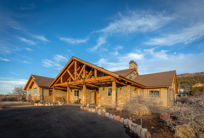 1923 Tu-Ee Trail, New Harmony, UT 84757