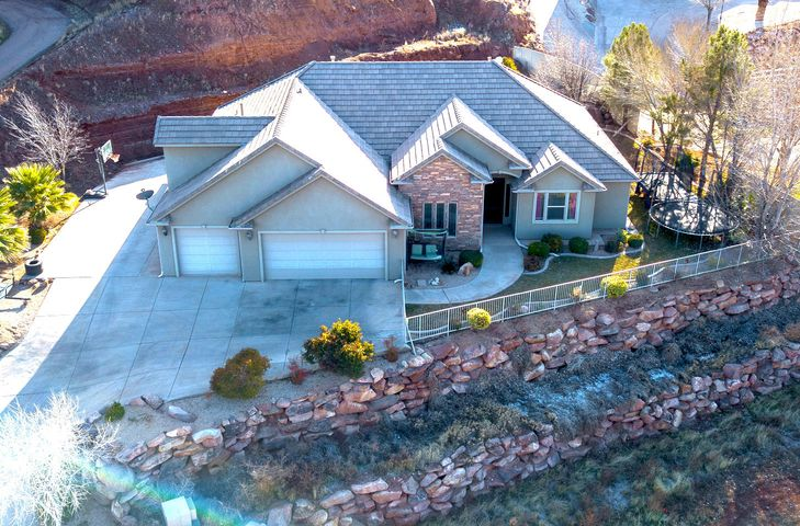 2096 Franklin Dr, Washington UT 84780