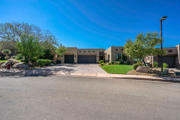 1645 W Red Cloud Dr, St George UT 84770