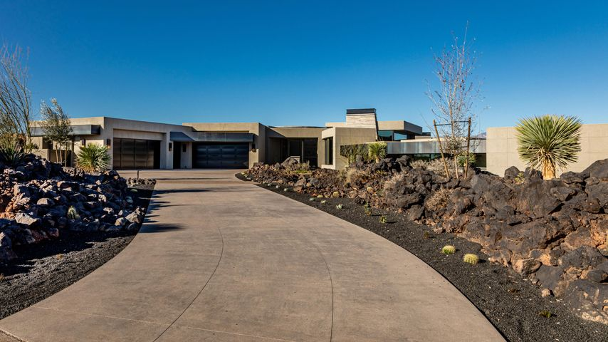2671 Chaco Trail, St George, UT 84770